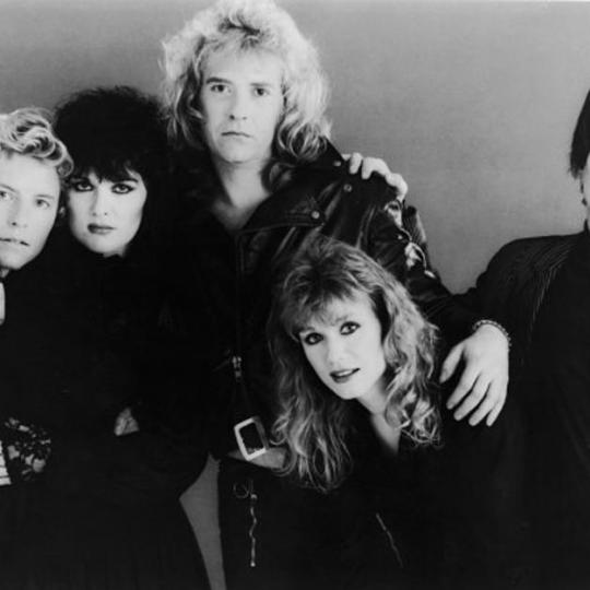 Portrait of the American rock group Heart including: (L-R) Mark Andes, Ann Wilson, Howard Leese, Nancy Wilson and Denny Carmassi, circa 1980s. (Photo by Epic/Hulton Archive/Getty Images)