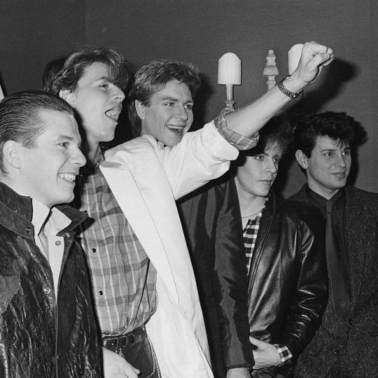 Duran Duran at a press call in a London hotel, November 1983. Andy Taylor, John Taylor, Simon Le Bon, Nick Rhodes, Roger Taylor. (Photo by Erica Echenberg/Redferns)