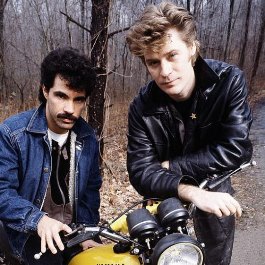 John Oates (left) and Daryl Hall of American pop duo Hall and Oates, New York State, February 1983. (Photo by Michael Putland/Getty Images)