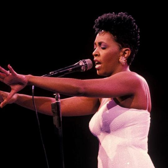 (MANDATORY CREDIT Ebet Roberts/Getty Images) UNITED STATES - JANUARY 01: Photo of Anita BAKER; Anita Baker performing at Madison Square Garden in New York City October 5,1988 (Photo by Ebet Roberts/Redferns)