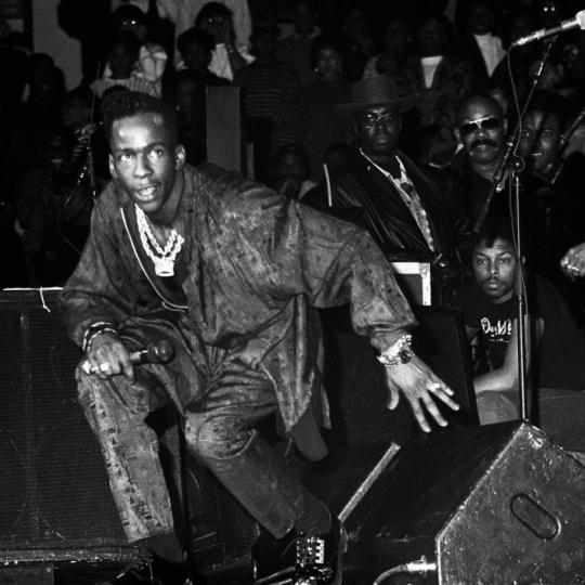 Bobby Brown performing in 1989