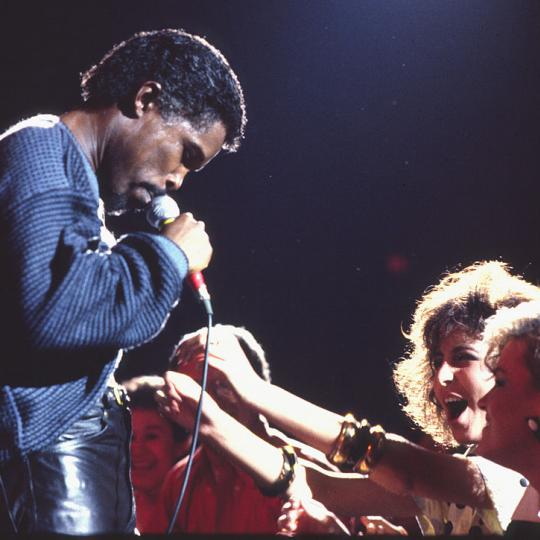 Billy Ocean performing in 1985