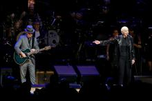 DECEMBER 09: Annie Lennox (L) and Dave Stewart of the Eurythmics perform onstage during the The Rainforest Fund 30th Anniversary Benefit Concert Presents 'We'll Be Together Again' at Beacon Theatre on December 09, 2019 in New York City. (Photo by Kevin Kane/Getty Images for The Rainforest Fund)